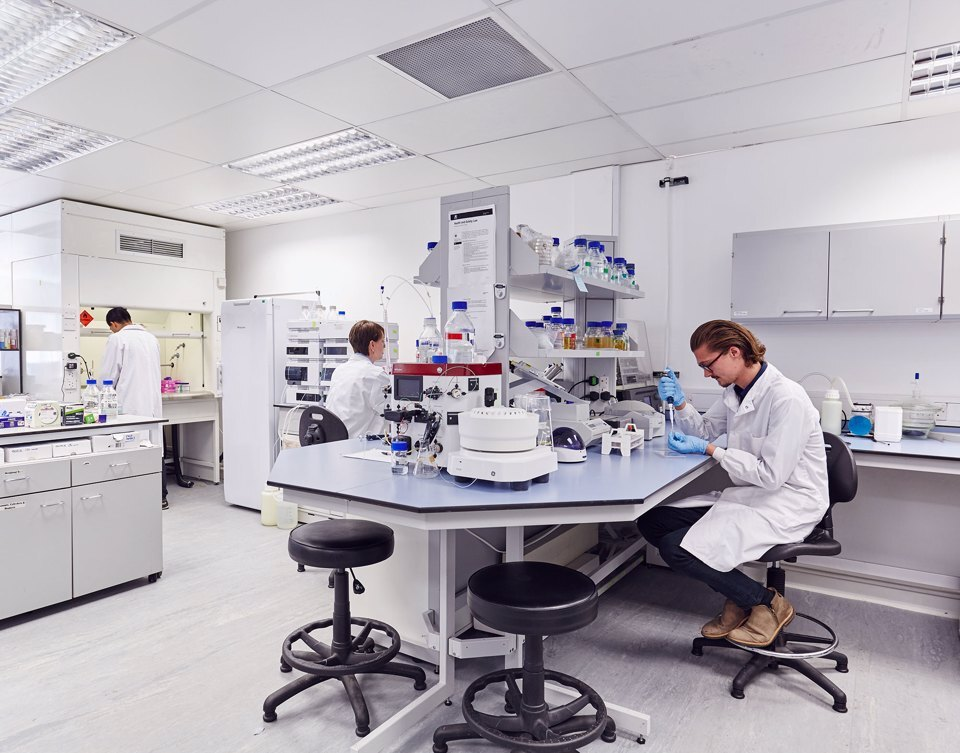 3 scientists working in a Citylabs lab
